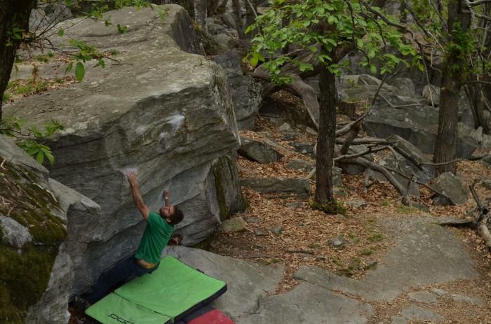 Seppi boulder 7A, Chironico (foto: Oli)