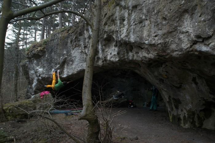 12 feet under 8A/+, Königshöhle (foto: Jožko)