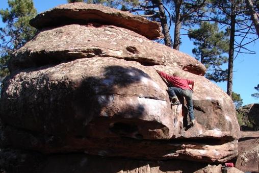 Úvaha aj o prejavoch vnútorných svetov v priestore skalných útvarov a vymádžovaných oblín