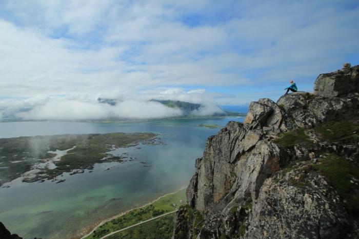 Pohľad z kopca HOVEN 368 mnm na ostrove Gimsøy