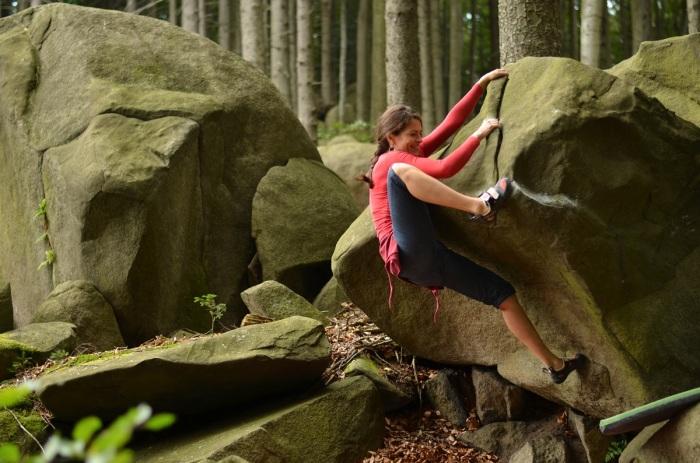 Neznámy boulder na super jemnej žule (foto: Oli)
