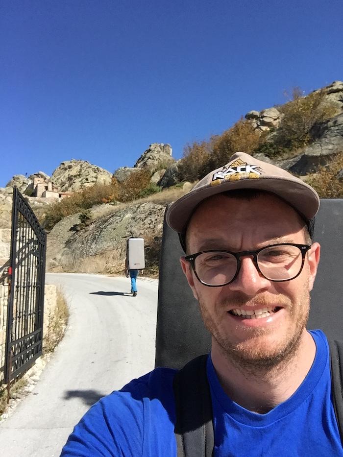 Pred bránami kláštora
