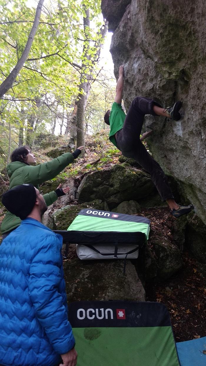 """""""Vari akčný guláš"""" 7A+, je nový, pohybovo veľmi vďačný, a aj celkom dlhý boulder"""