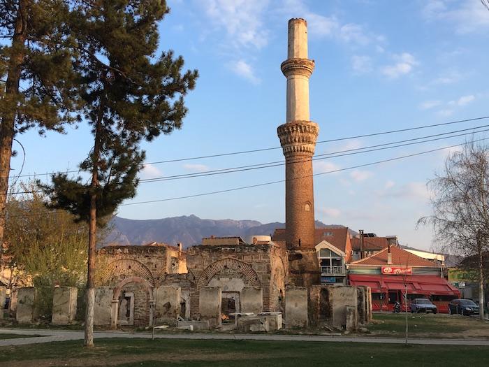 Stará a zničená mešita v Prilepe