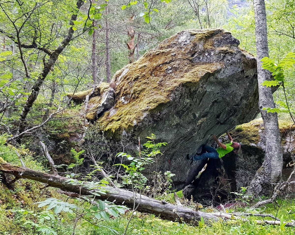 Bouldering v Skiri